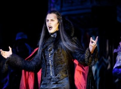 Солист мюзикла «Бал вампиров» Иван Ожогин в «Горонок»